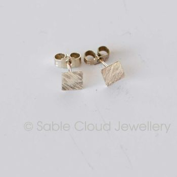 Line Patterned Stud Earrings - Square