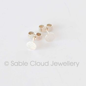 Line Patterned Stud Earrings - Circle