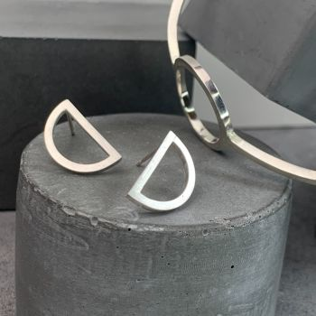 OD | Flat D Earrings