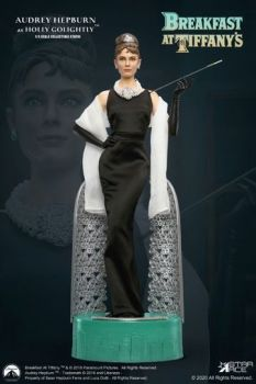 Breakfast at Tiffany's Statue 1/4 Holly Golightly (Audrey Hepburn) 52 cm STACSA4004