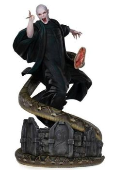 Harry Potter Legacy Replica Statue 1/4 Voldemort & Nagini 58 cm IS12791