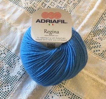 b. Regina 100% Merino DK - 47 bright blue