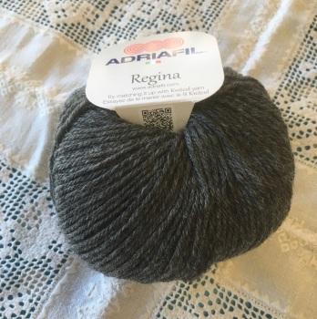 u. Regina 100% Merino DK - 83 charcoal grey