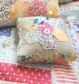 Liberty Hexie Pincushions Kit