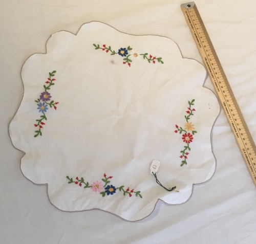 Vintage Linens - embroidered tray cloth 1