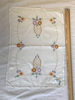 Vintage Linens - embroidered tray cloth 10