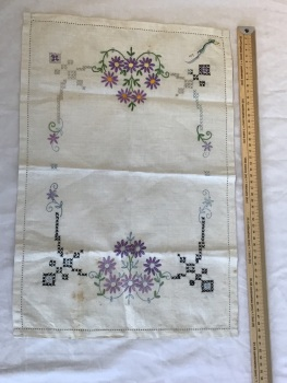 Vintage Linens - embroidered tray cloth 11 - Unfinished