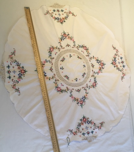 Vintage Linens - round embroidered table cloth