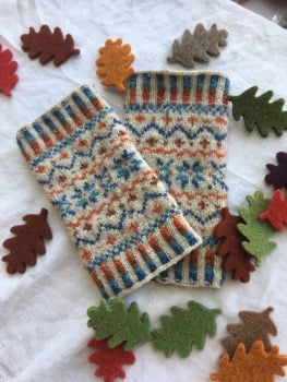Locket's Fair Isle Wristies kit 4