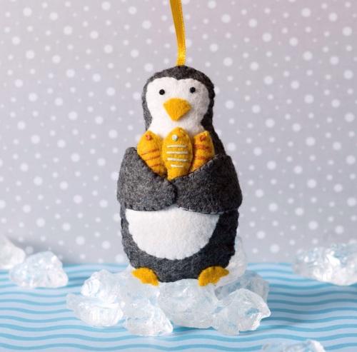 Mini Kit - Penguin with fish