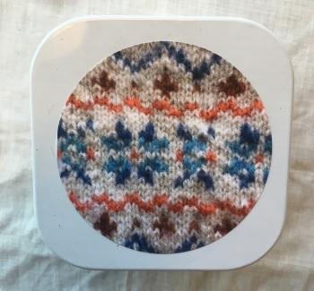 1. Knitting supplies Tin - Fair Isle stars