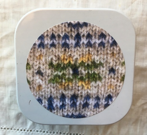 1. Knitting supplies Tin - Fair Isle Star - Green