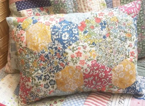 Medium Liberty Hexie cushion kit