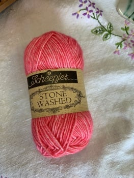 Scheepjes Stonewashed - 835 Rhodochrosite