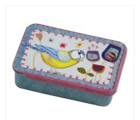 Stitched Birdies Pocket Tin