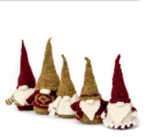 *Never Naked Gnomes clothing pattern*
