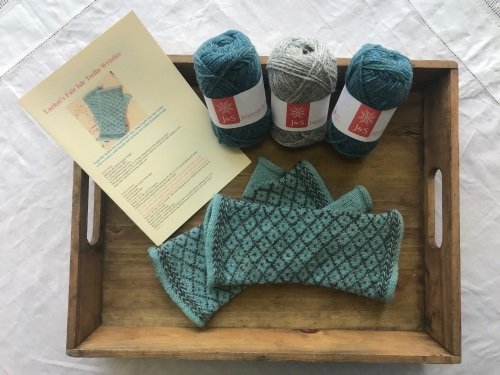 Locket's Fair Isle Trellis Mitts Kit 8 - turquoise and silver