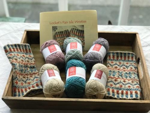 Locket's Fair Isle Wristies kit - Pastels