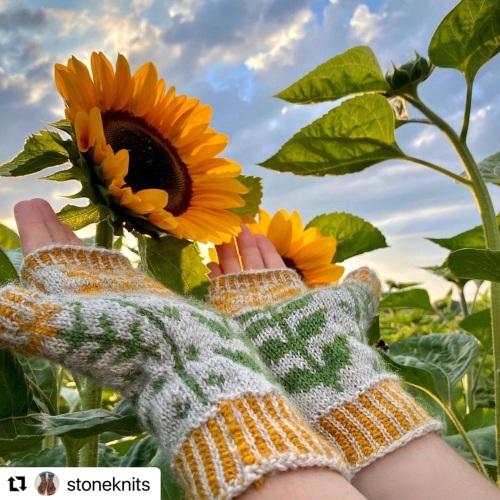 Lucky Sunflower Mittens Kit