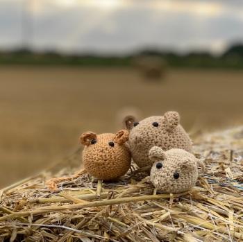Locket's Harvest Mice crochet kit