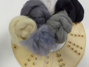 Wool Merino Natural Wreath Kit