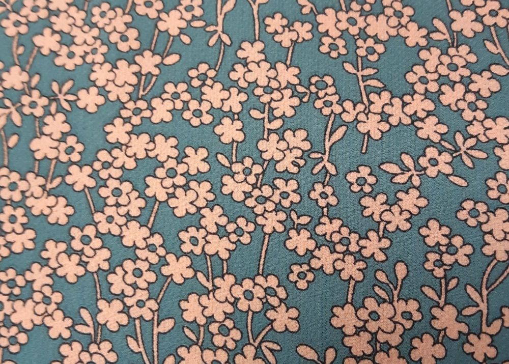 Ditsy flower, light weight Crepe, polyester PL0016