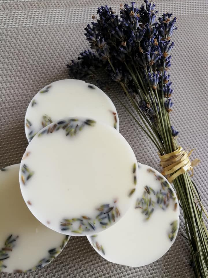Lavender wax melt tart with petals