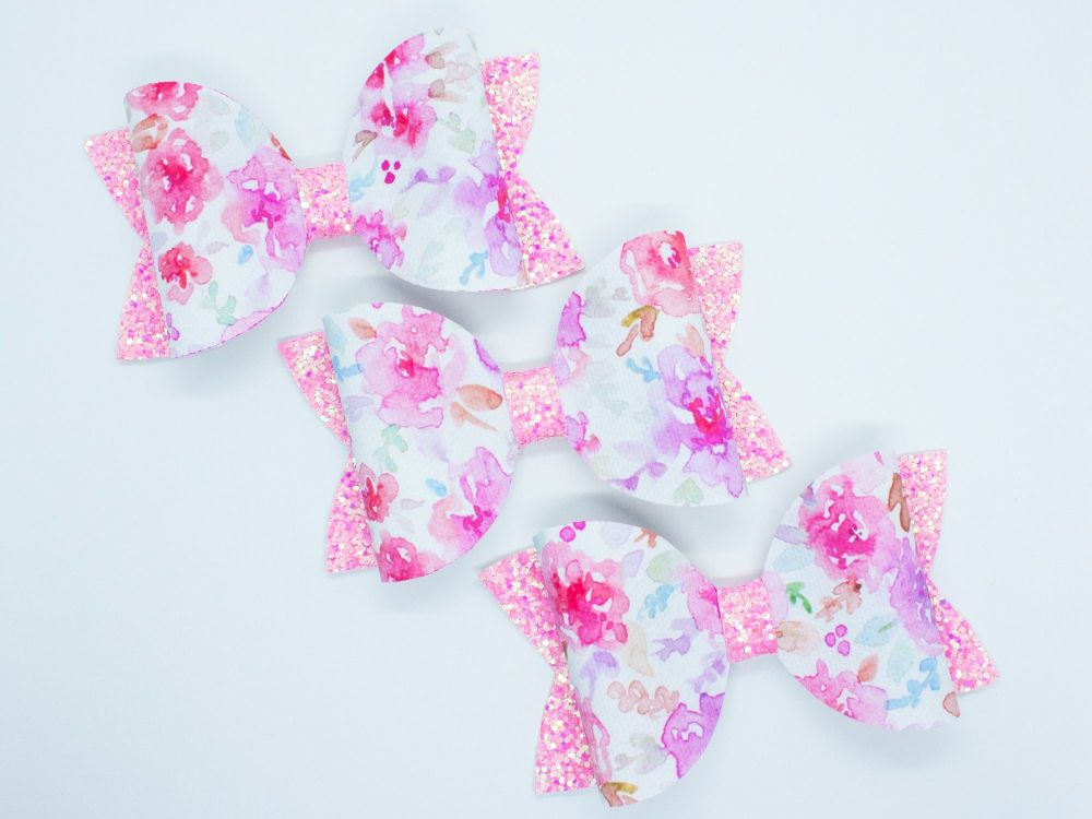 Pretty Watercolour Bow – Pink
