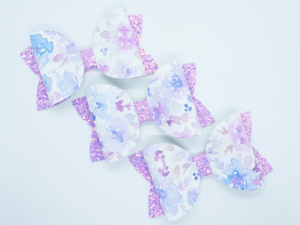 Pretty Watercolour Bow – Lilac