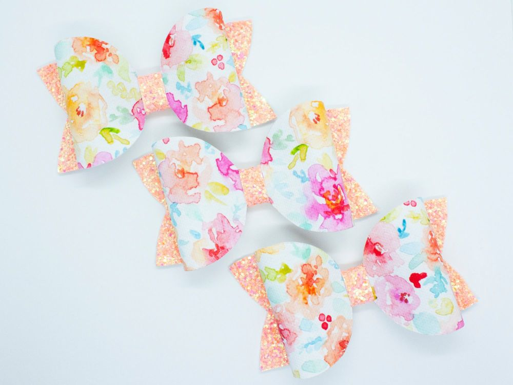 Pretty Watercolour Bow – Peach