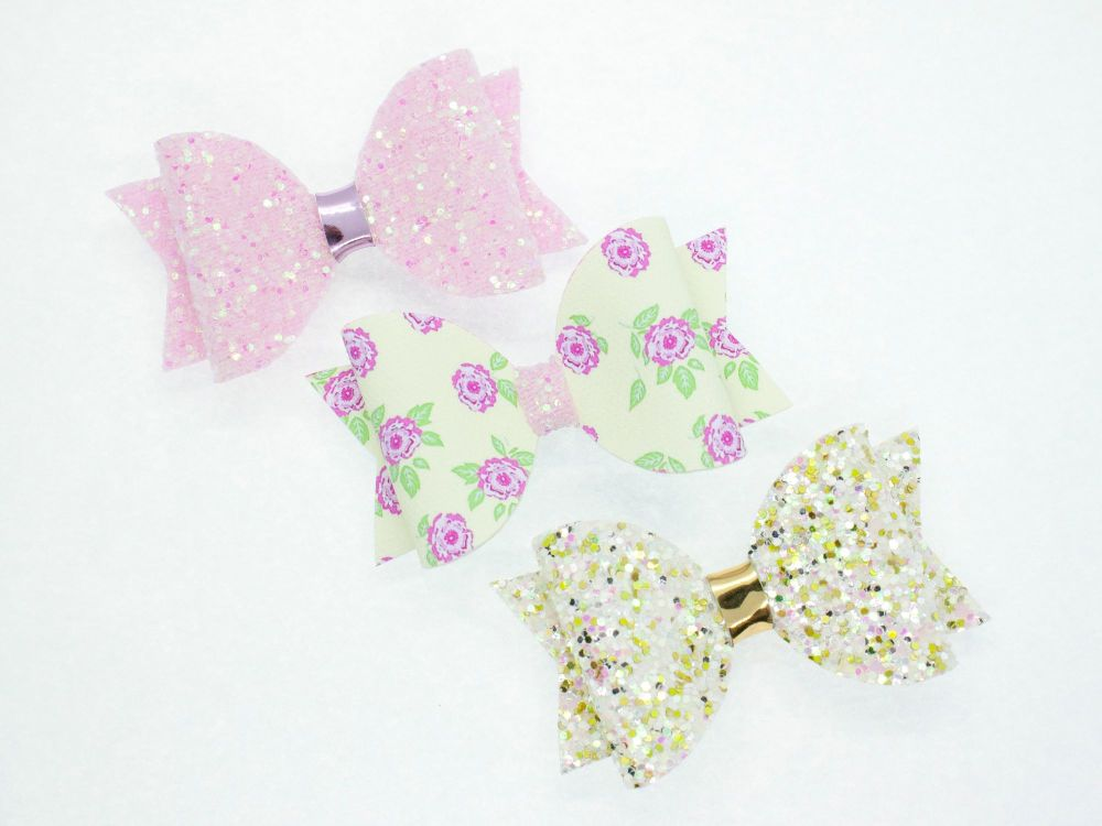 Trio Winter Garden Small Bow Set