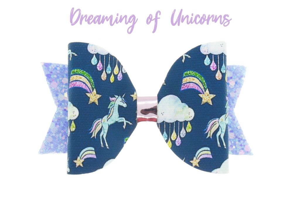 Dreaming of Unicorns – Standard Size Bow