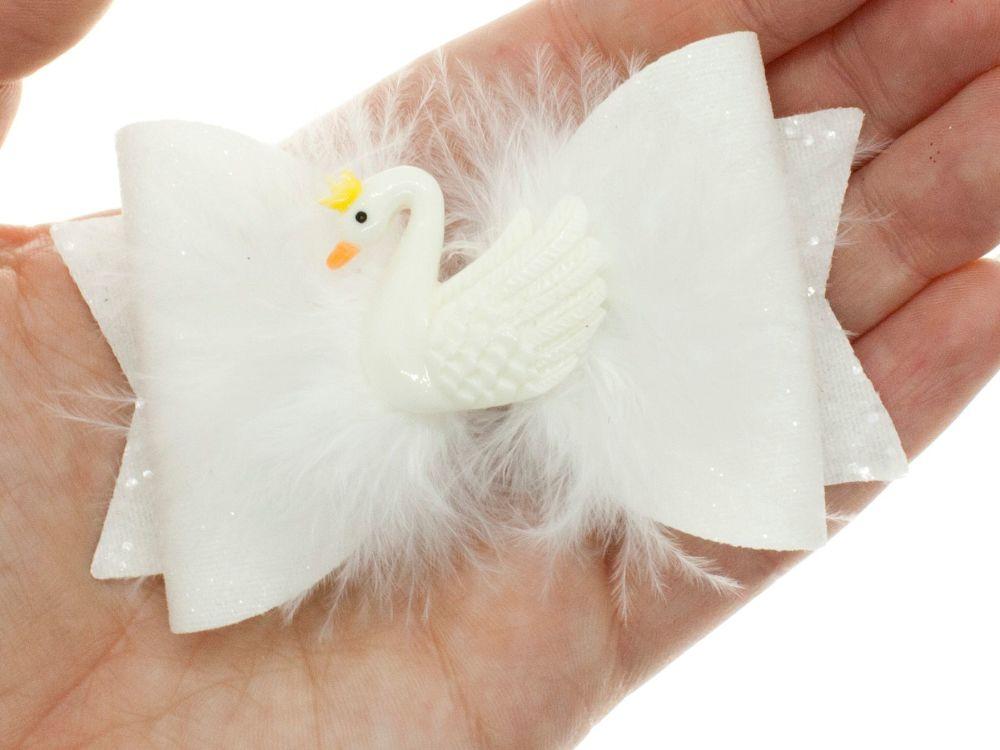 Dreamy White Swan Bow