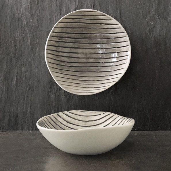 East of India Medium Bowl - Scratched Lines