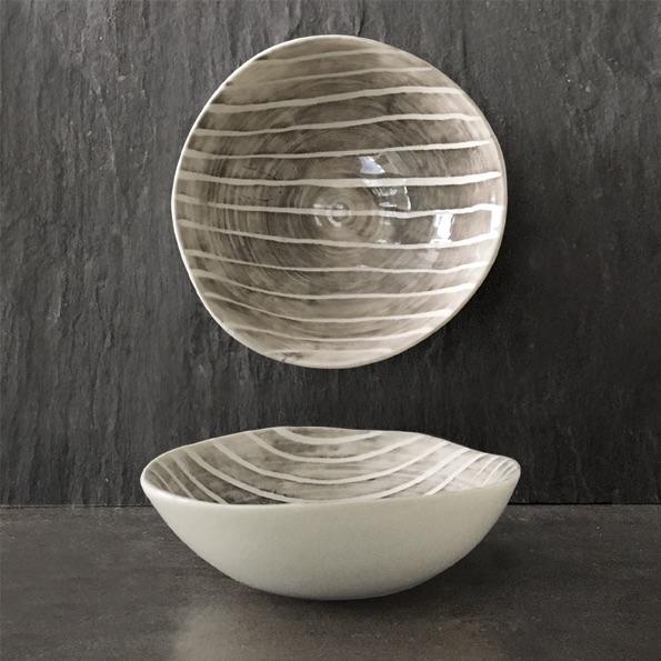 East of India Medium Bowl - Painted Stripe