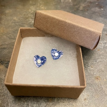 The Tinsmiths heart studs - blue pattern on light pink background