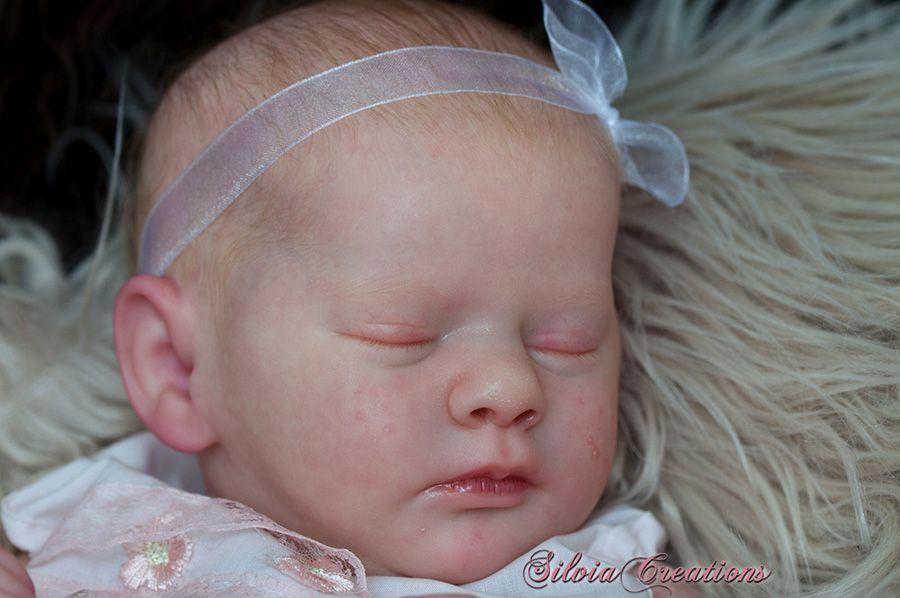 Realborn® Evelyn Sleeping TWIN 19