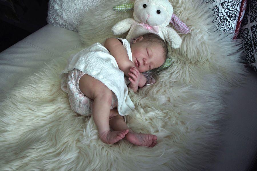 Realborn Brittany sleeping - 20