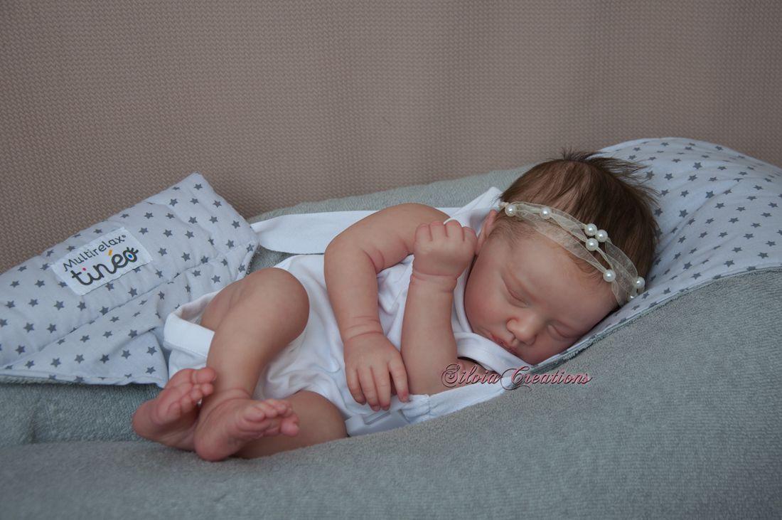 Realborn Miranda sleeping - 19