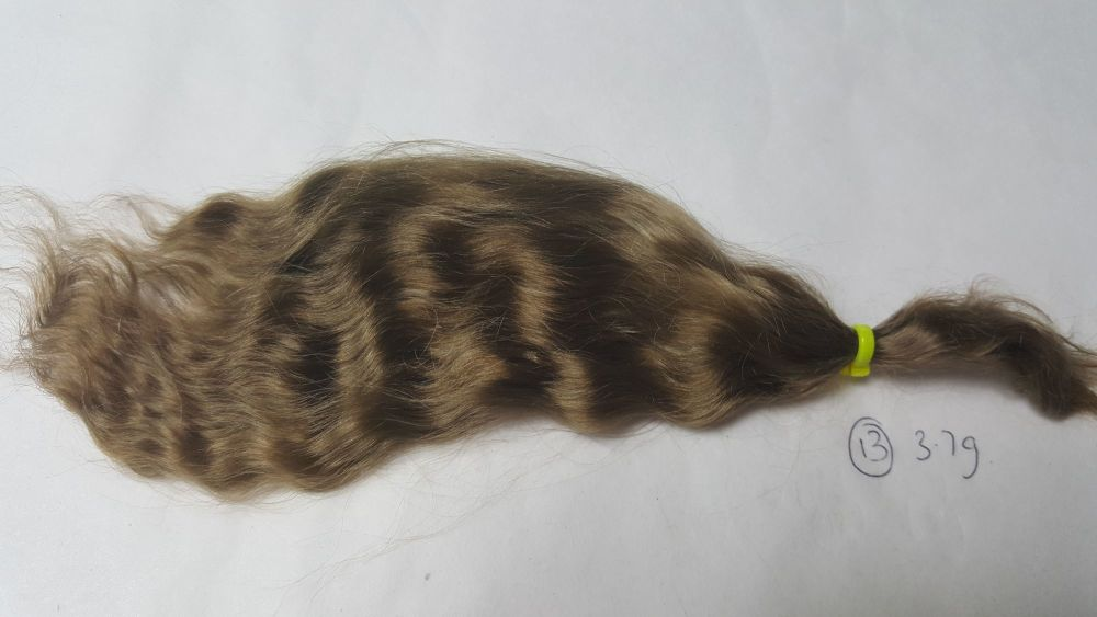 13 - Medium brown loose weave yearling - Mohair - 3.7g - SMALL QUANTITY PLE