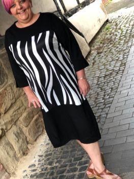Malissa J Zebra Split Dress- Black