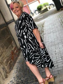 Malissa J Patterned Dress- Black And White