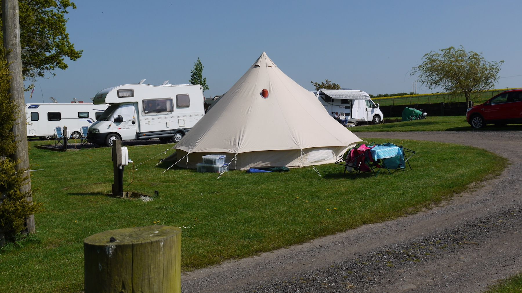 Camping at Midshires Campsite