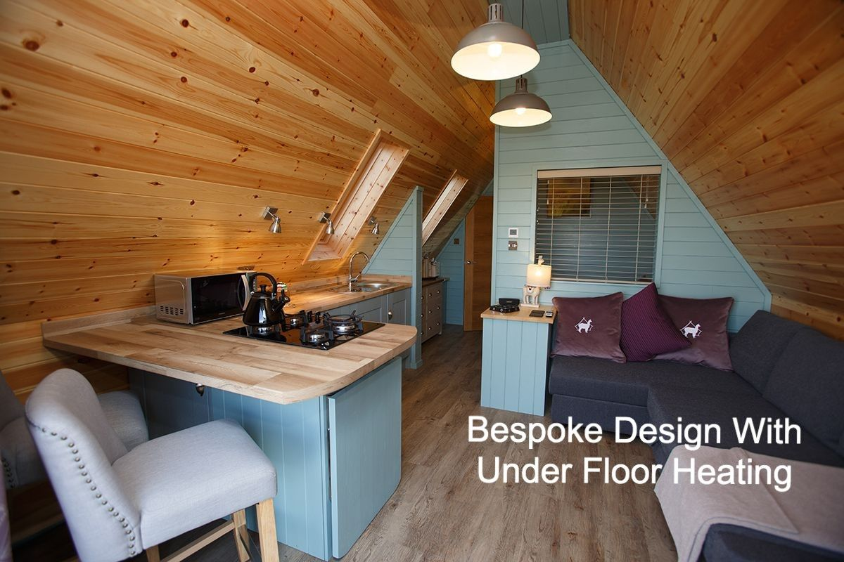 kitchen-dining-area-in-lodge-caption3.jpg
