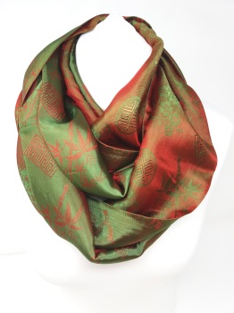 Infinity Jacquard Red & Green Scarf