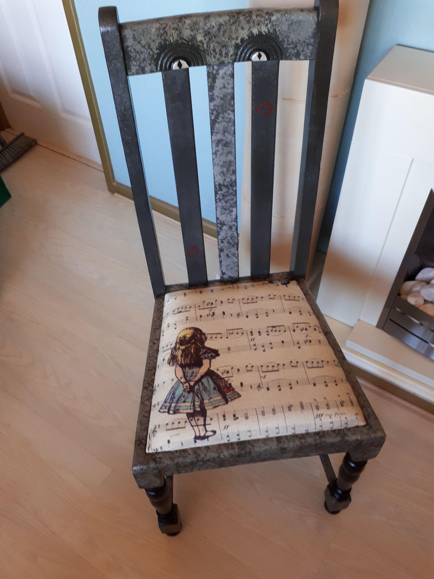 Alice Seats2