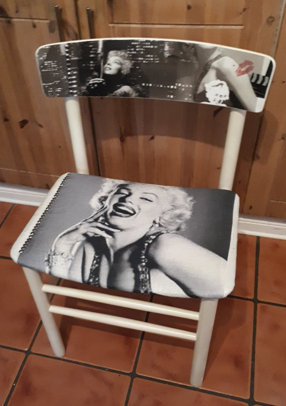 Marilyn Chair1