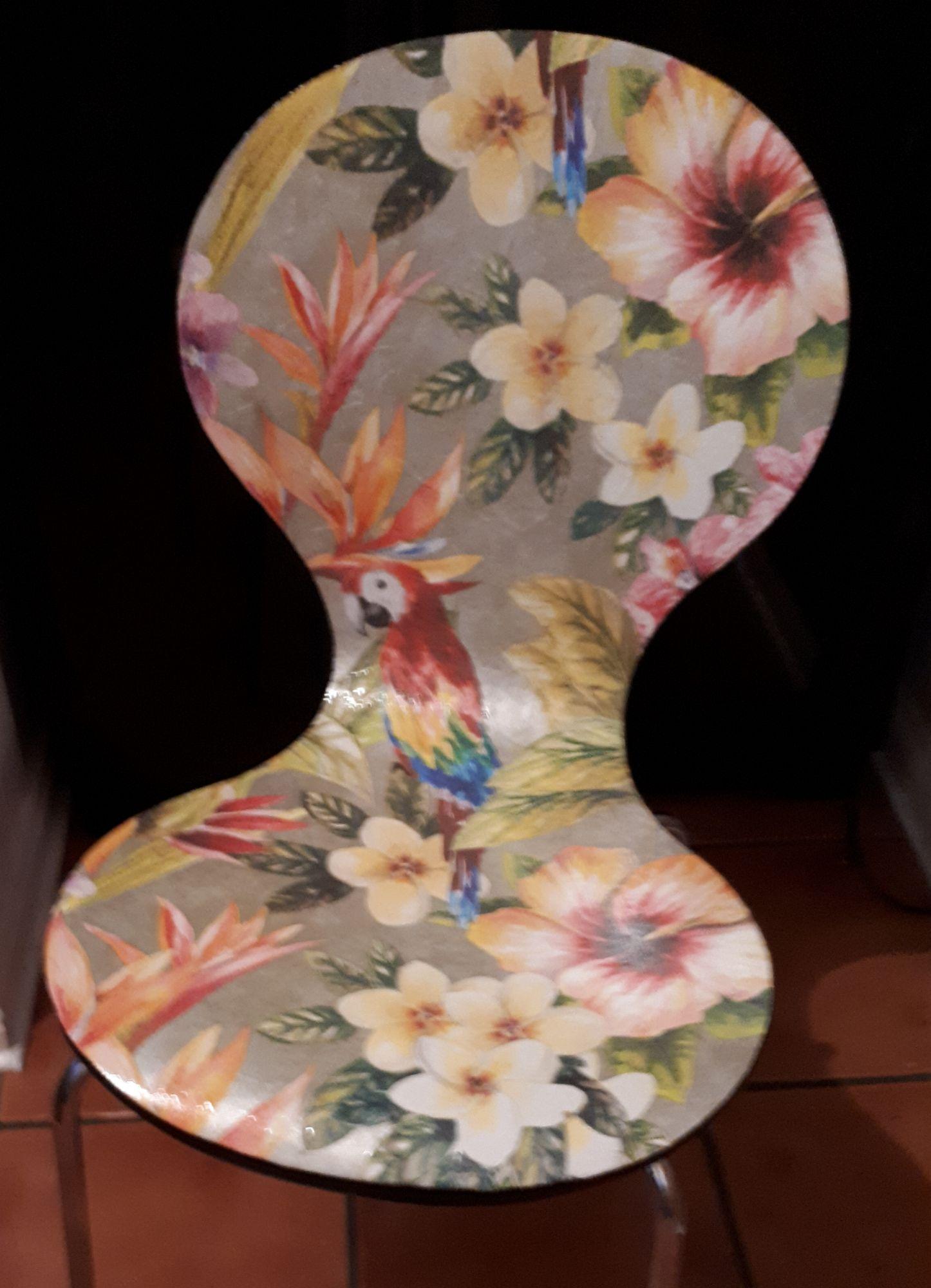 Chair Parrot 4