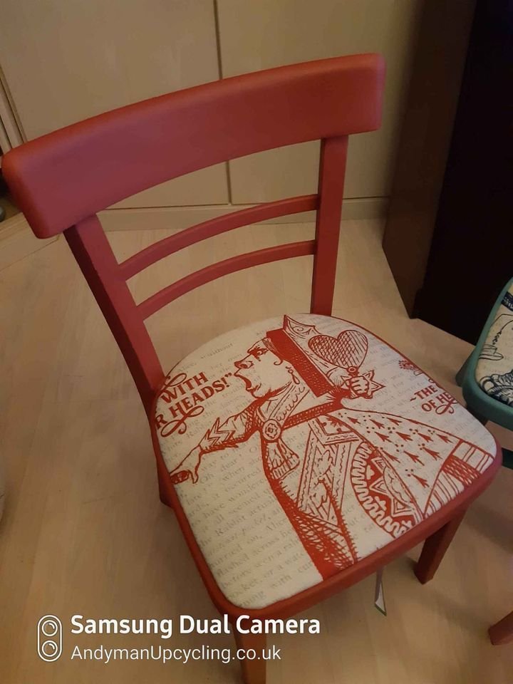 Alice in Wonderland Chair, The Red Queen