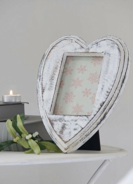 White Heart Shape Picture Frame 6x4